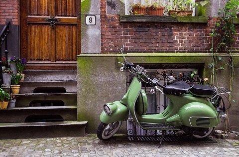 De beste manier om jouw scooter te beveiligen: een kettingslot of een kabelslot